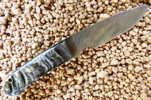 Serengeti Hunter Damascus knife